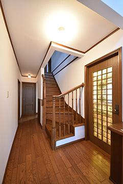 1階広い廊下